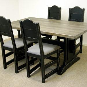 Gjende spisegruppe 160 x 90 med 4 Gjende spisestoler sort ant gårdsgrå plate_16x9