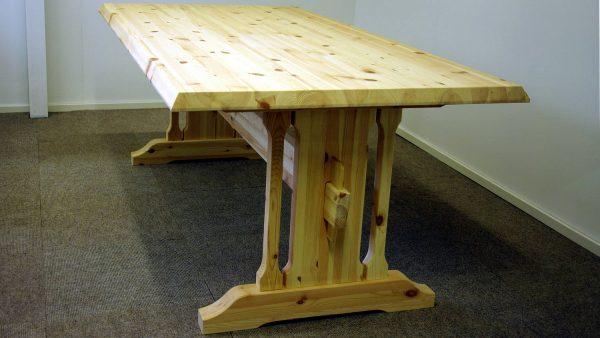 Gjende bord m skrå kant på alle kanter